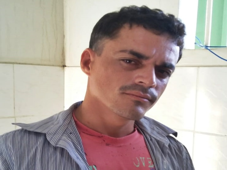 Jovem é preso por força de mandado após romper tornozeleira