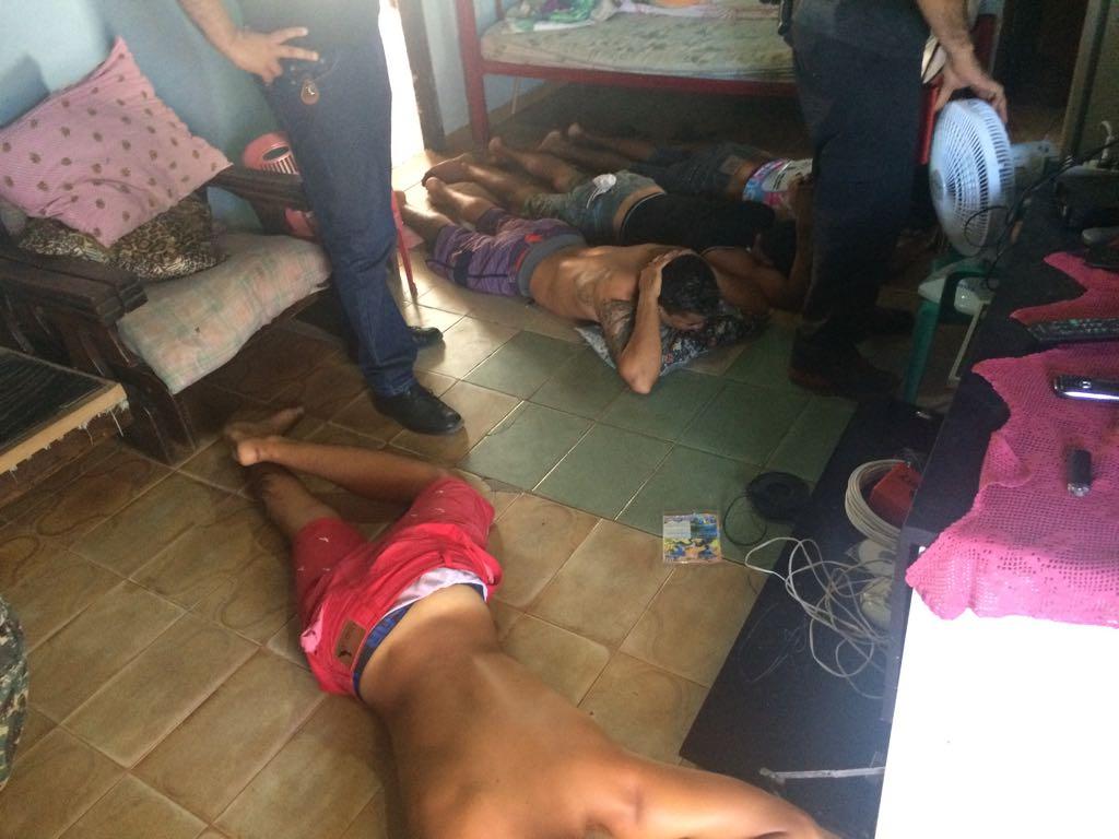 Polícia Civil deflagra operação em Luís Correia e prende cinco pessoas por tráfico e roubo