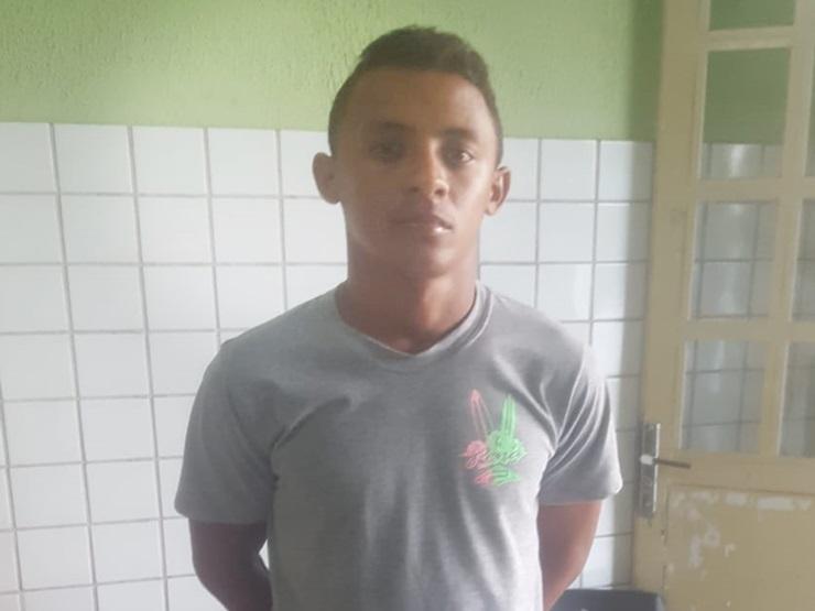 Procurado da Justiça é preso pela Polícia Militar por tráfico de drogas