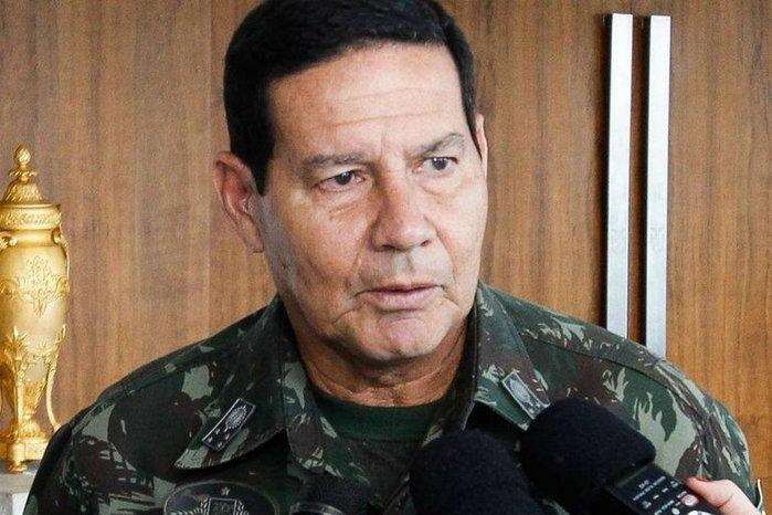 Vice de Bolsonaro: Brasil herdou 'indolência dos índios e malandragem dos negros'