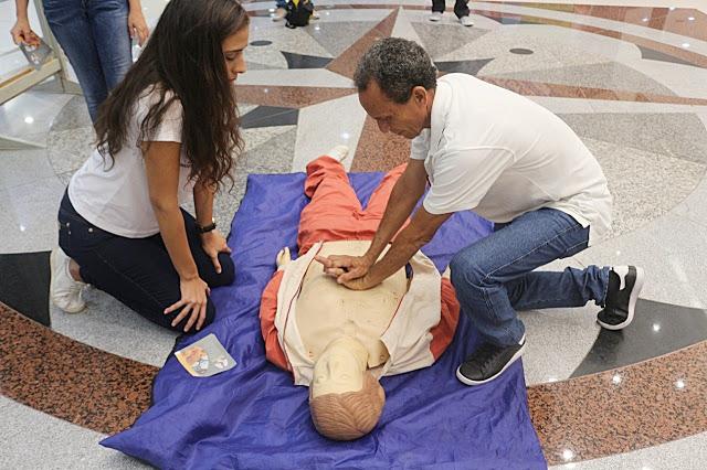 Visitantes vivenciam procedimentos de reanimação cardiopulmonar no Parnaíba Shopping