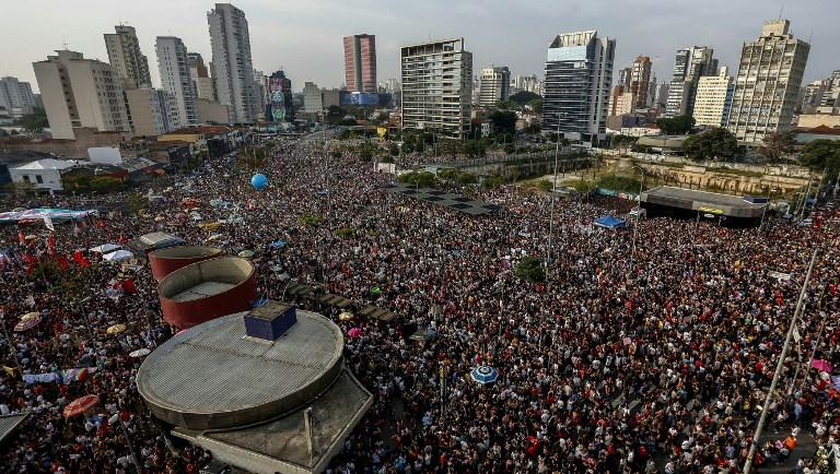 Dezenas de cidades recebem atos contrários à candidatura de Jair Bolsonaro