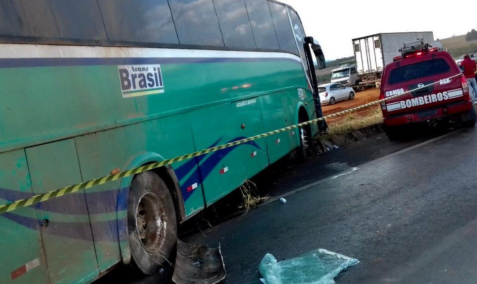 Colisão envolvendo ônibus com destino a Parnaíba deixa um morto