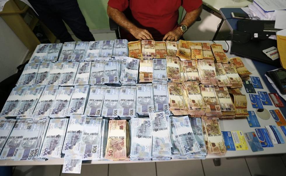 Polícia apreende quase R$ 3 milhões em notas falsas em apartamento