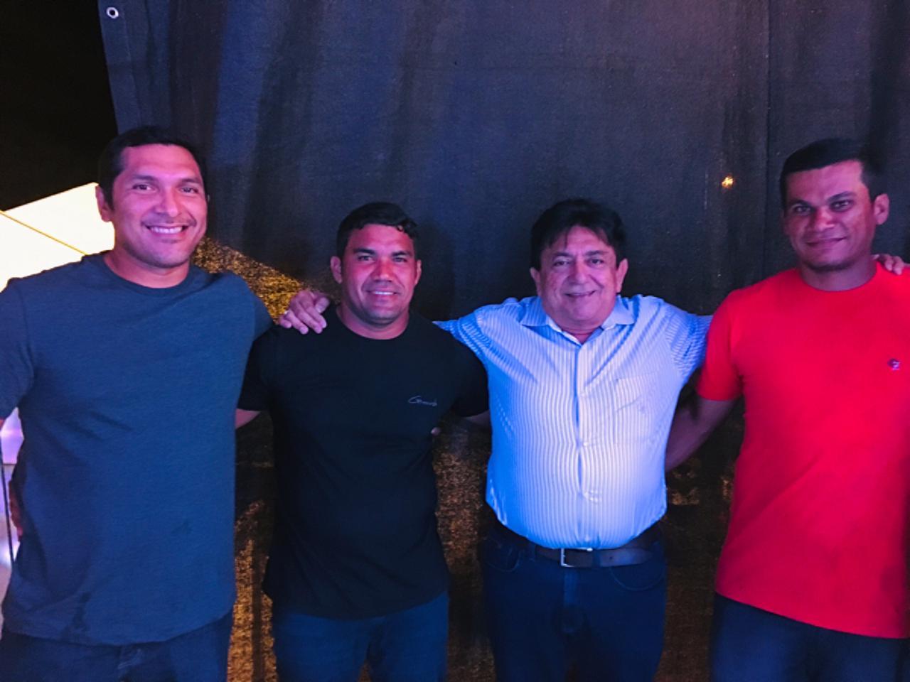 Cajueiro da Praia comemora aniversario de 22 anos com festa em praça publica
