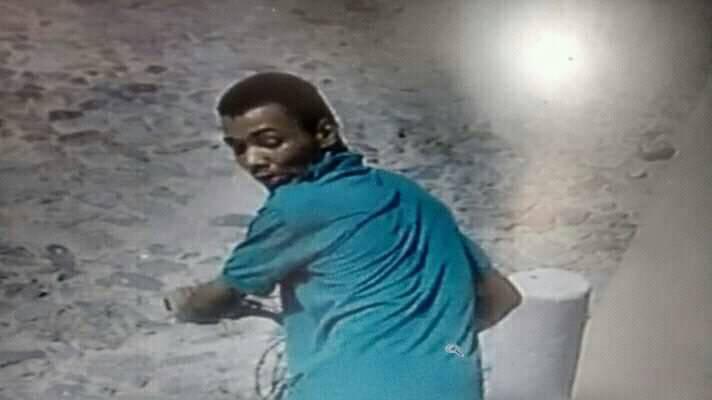 Câmera flagra assaltantes roubando jovem na Rua São Tomé no Bairro Rodoviária