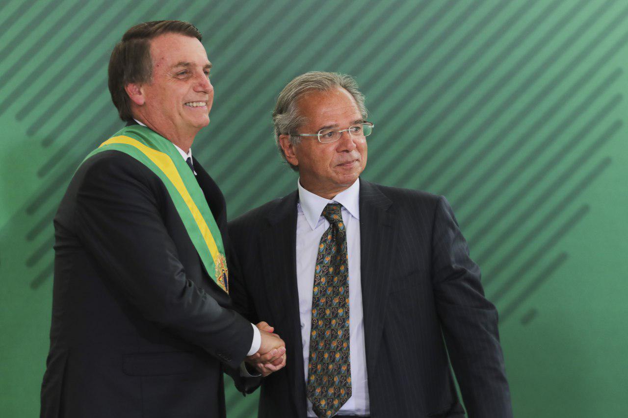 Governo Bolsonaro aumenta valor máximo de auxílio-reclusão e salário-família