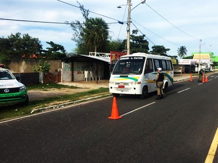 Transporte irregular de passageiros é alvo de fiscalização, em Luís Correia