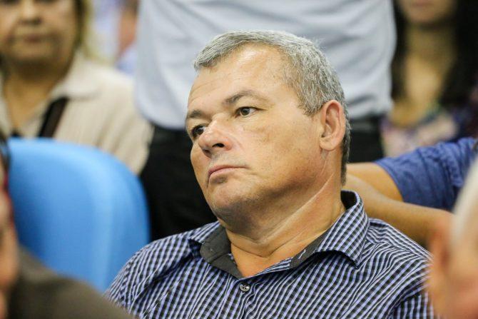 Cofre com R$ 40 mil é furtado da casa do prefeito Kim do Caranguejo