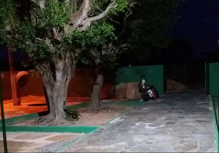Sem transporte escolar, estudantes da zona rural de Parnaíba amargam o descaso da gestão municipal