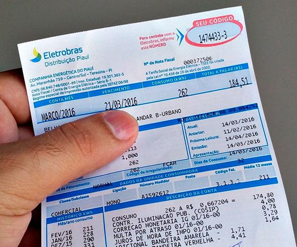 Aneel anuncia que conta de luz vai ficar 3,7% mais barata neste ano