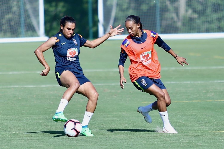 Técnico Vadão convoca piauiense Adriana para Copa do Mundo