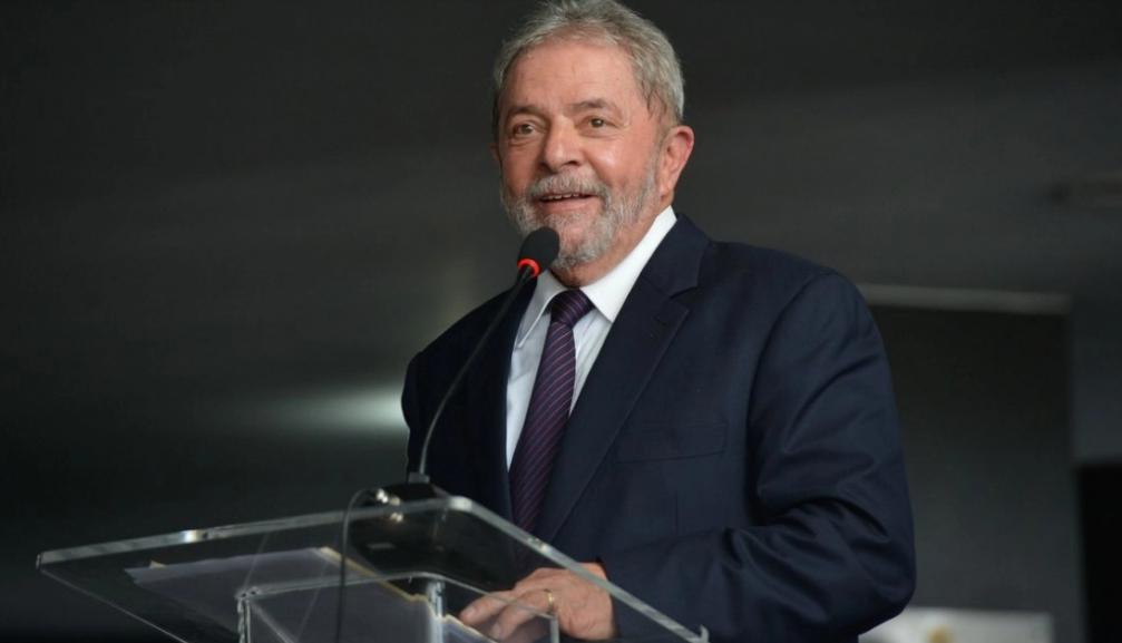 Juristas estrangeiros defendem anulação de processos contra Lula