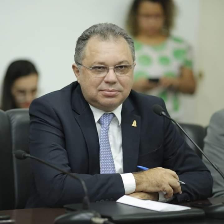 Florentino Neto comemora recorde de cirurgias e atendimentos nos hospitais do interior