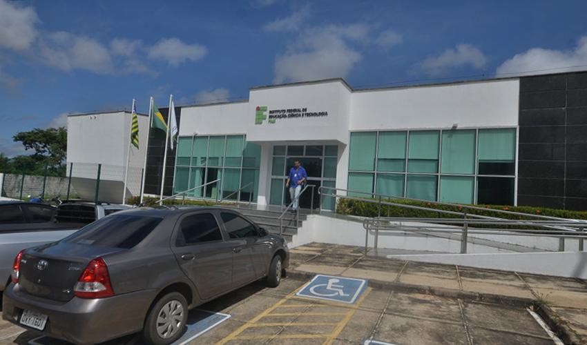 Instituto Federal cancela 20 bolsas após anúncio de corte pelo Cnpq