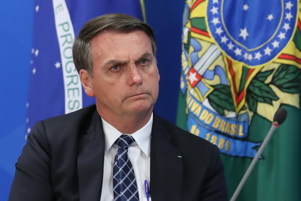 """Advogado cearense vai à Justiça pedir interdição de Jair Bolsonaro por """"insanidade mental"""""""