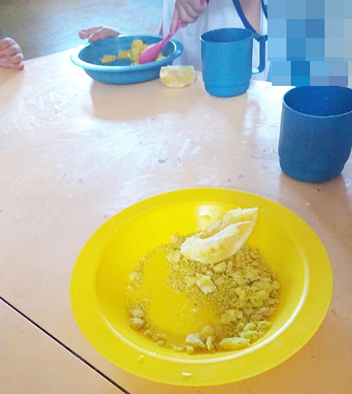 Farofa de ovo: crianças de escolas municipais continuam com merenda inadequada