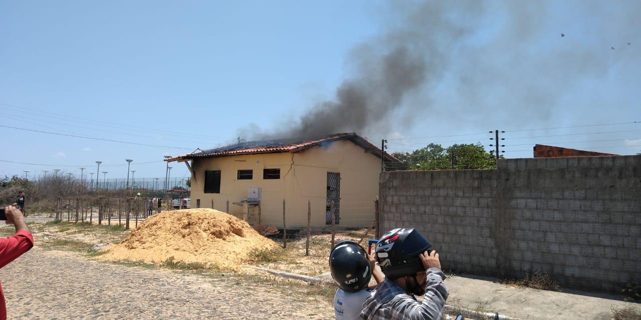 Incêndio destrói casa no Conjunto Raul Bacelar, em Parnaíba; VEJA O VÍDEO