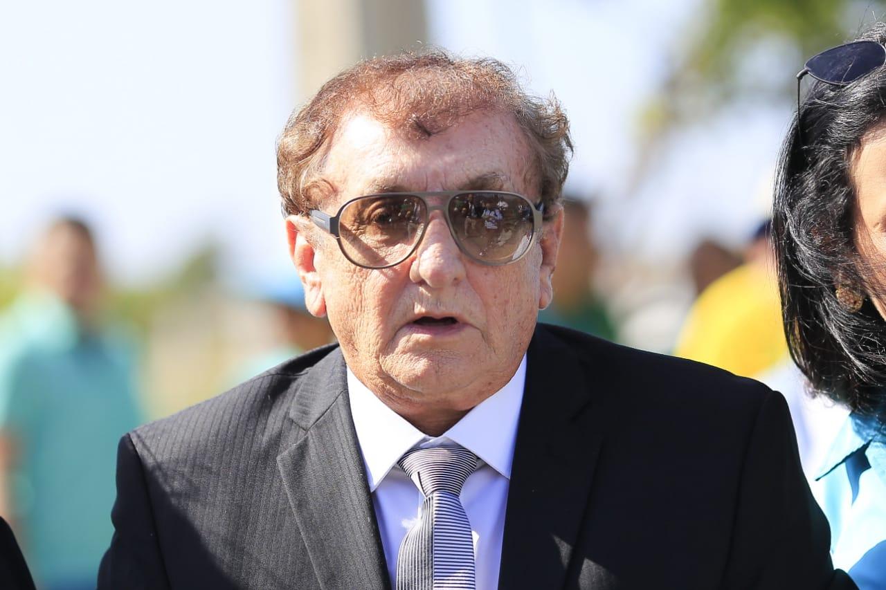 Prefeito Mão Santa é denunciado por irregularidades em licitação de R$ 1,5 milhão