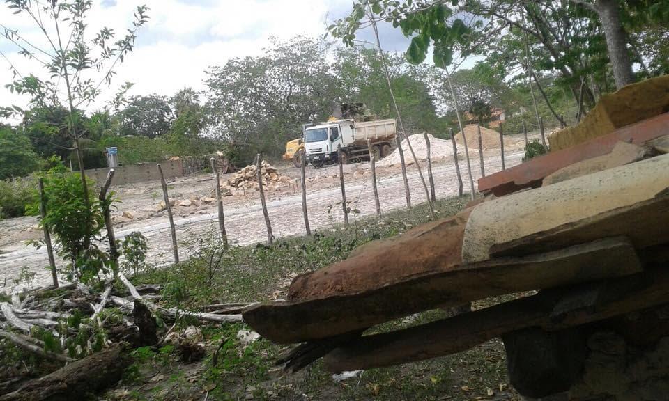 Morador denuncia que máquinas do PAC de Bom Princípio estariam sendo usadas para construir uma mansão para o prefeito Apolinário