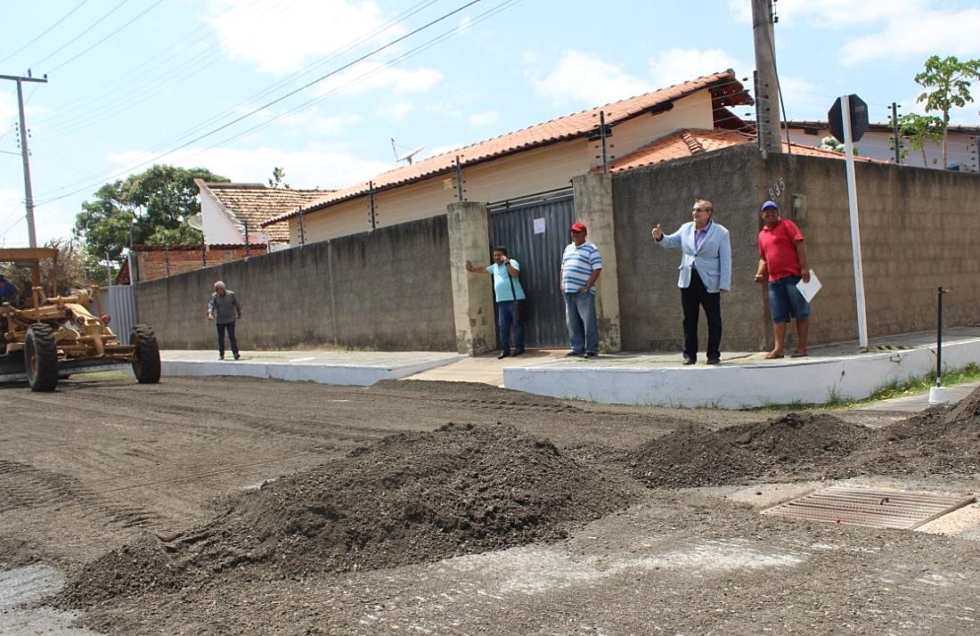 PARNAÍBA: Trabalhadores denunciam falta de pagamento em obra de asfaltamento da Prefeitura