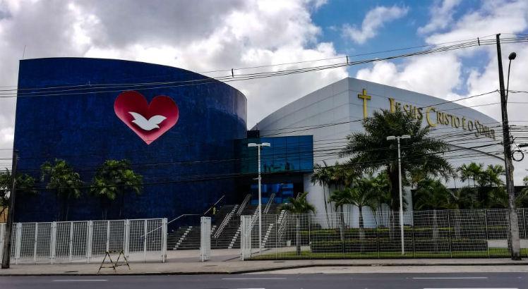 Bolsonaro quer financiar conta de luz de igrejas evangélicas