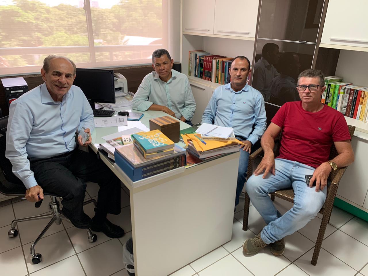 Pré-candidato a prefeito de Bom Princípio Cleson Galeno, se reúne com o Senador Marcelo Castro