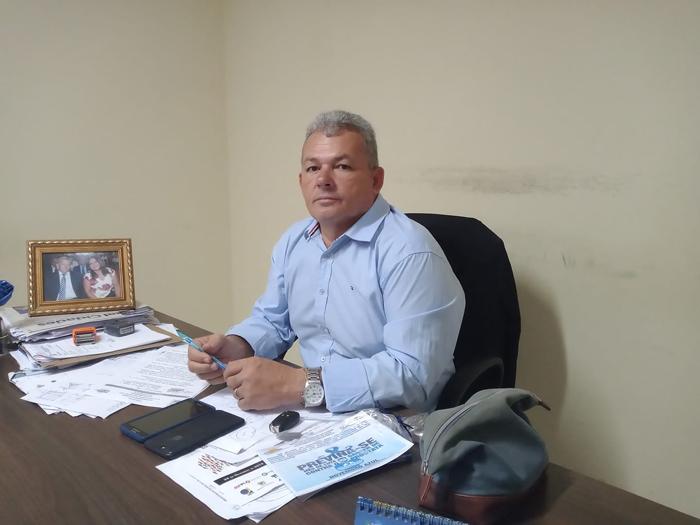 Justiça federal condena e aplica multa de R$ 30 mil ao prefeito Kim do Caranguejo
