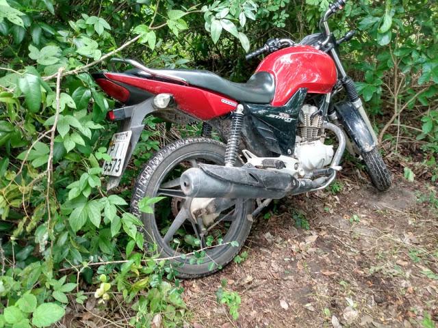 Polícia encontra várias motos abandonas no bairro Conselheiro Alberto Silva, em Parnaíba