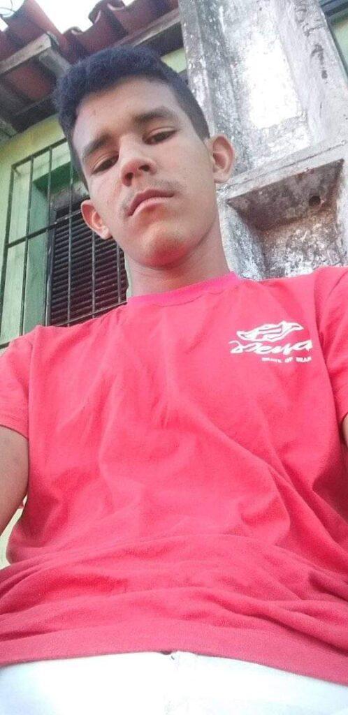 Adolescente de 17 anos é assassinado com quatro tiros após confusão em bar no bairro João XXII, em Parnaíba