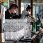 Wellington sanciona lei que concede auxílio a trabalhadores de bares e eventos